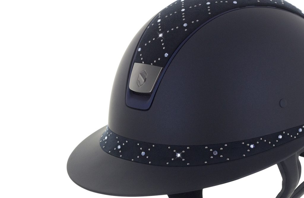 4b8d79e9312 Inspired by women classic hats the Miss Shield Shadowmatt is equipped with  a long visor and a customizable frontal band. The Miss Shield Shadowmatt  has been ...